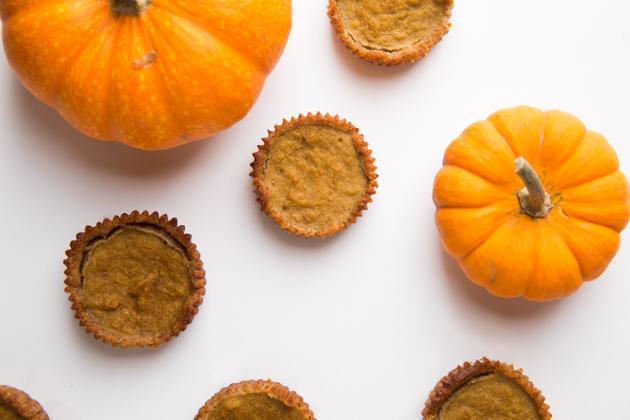 Gluten Free Pumpkin Tarts, Holiday Eats, Thanksgiving Dessert, Fall Recipes, Gluten-free Pumpkin Pie, Healthy Eating, Healthy Living, Pumpkin Pie Recipe, Fall Recipes, Entertaining Ideas, Entertaining at Home, Lifestyle Blogger, Thanksgiving Ideas, Gluten-Free Recipes, Organic Eating, Nutrient Dense, Holiday Menu, Healthy Dessert Ideas #entertainingathome #pumpkintarts #holidayentertaining #fallmenu #pumpkinpie #holidaymenu #glutenfreeentertaining #thanksgiving #holidaydesserts #christmas