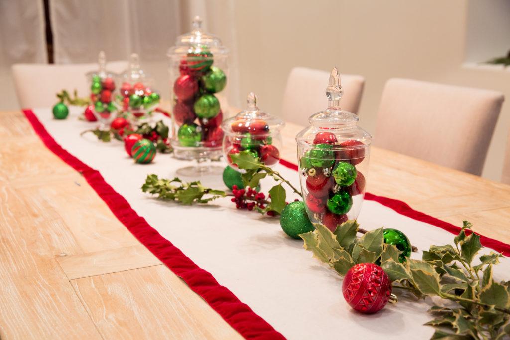 Christmas Tablescape - Pretty Little Shoppers Blog
