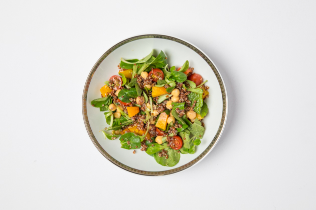 Vegan Salad with Quinoa, Chickpeas and Cherry Tomatoes - Pretty Little Shoppers Blog