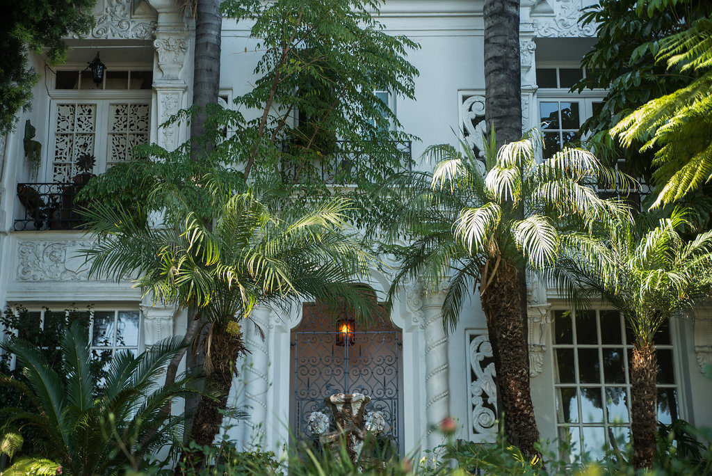 Old Hollywood Building - Photo by Amina Touray
