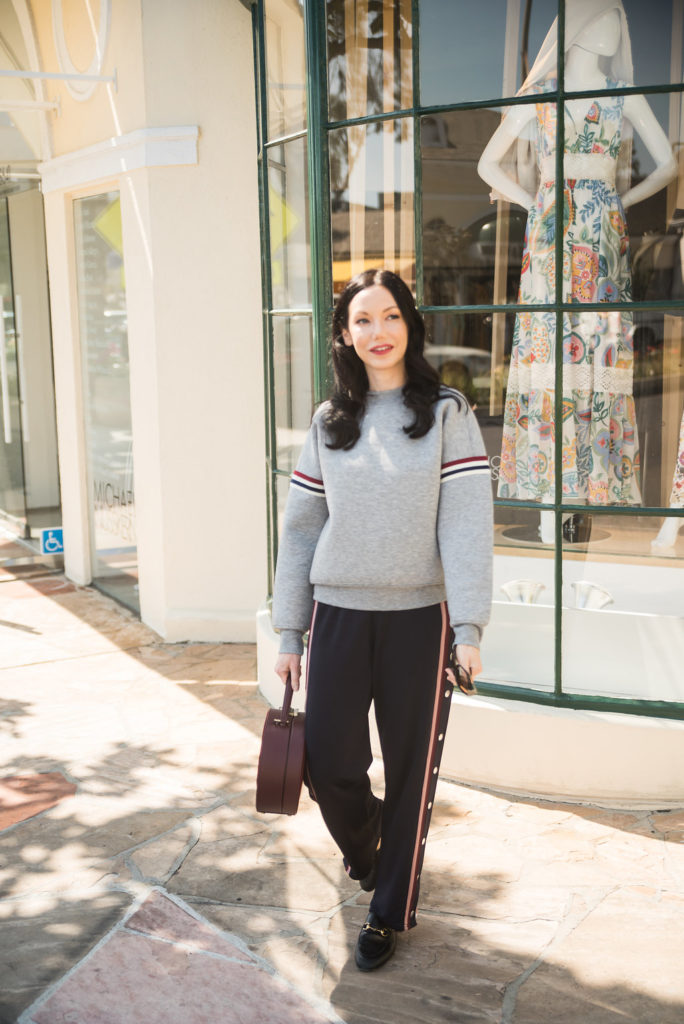Blogger Off Duty, H&M Sweatshirt and Pants, Athleisure Wear, Tammy & Benjamin Bag, Gucci Loafers