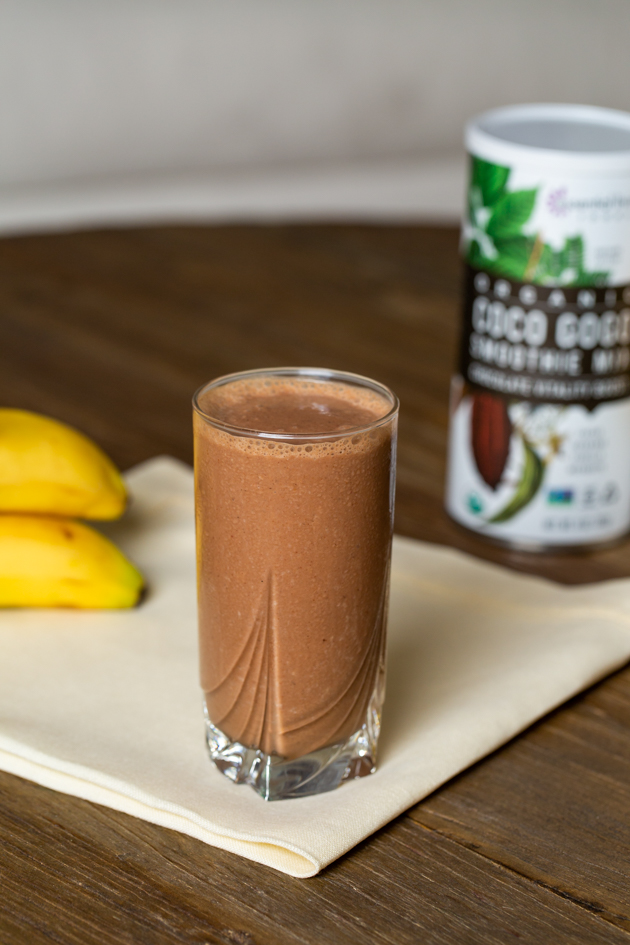 Chocolate Banana Adaptogen Smoothie Recipe - Pretty Little Shoppers Blog