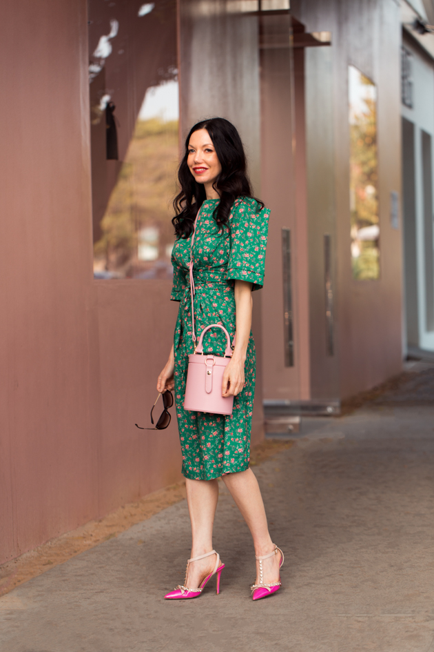 Storets Green Floral Print Dress, LPA Pink Bag, Kate Spade Pumps, Kate Middleton Style, Meghan Markle Style, How to dress like a Royal, The Royal Look for Less, Over the knee dresses, Ladylike style, pink crossbody bag, Los Angeles Fashion Blogger, Lisa Valerie Morgan, Pretty Little Shoppers Blog, Mo Summers Photography, Personal Style, Outfit Inspiration, Fashion, Classic and Feminine with an Edge, Street style, street fashion, best street style, OOTD, OOTD Inspo, street style stalking, outfit ideas, what to wear now, Fashion Bloggers, Style, Seasonal Style, Outfit Inspiration, Trends, Looks, Outfits, Pretty Dresses