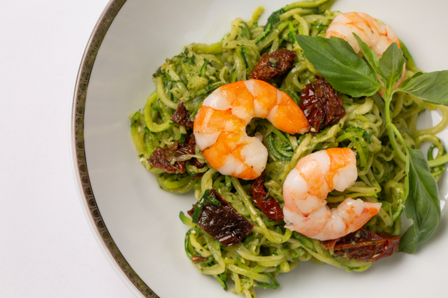 Pesto Zoodles with Sun-dried Tomatoes and Shrimp, Healthy Recipes, Easy Dinner Ideas, Gluten Free Pasta, Organic Living, Spiralizer Recipe, Light Summer Meals, Entertaining Ideas, Healthy Pasta Recipes, Mouth Watering Food, Easy Recipes, Light and Quick Meals, Easy Meal Ideas, Pretty Little Shoppers Blog, Dinner Al Fresco, Food Blogger, #organicliving #glutenfreerecipe #organiceating #easydinnerideas #glutenfreedinnerideas #entertainingideas #foodie #whole30 #foodblogger #zoodles
