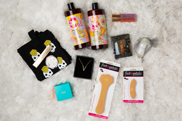 US Beauty Giveaway (Over $300 Value), Fashion Blogger, Beauty Lover, Beauty Secrets, LA Bloggers, Moroccanoil, Amika Hair, Foot Petals, Lipstick Love #followmystory #byrdiebeauty #beautylover #skincarejunkie #beautygiveaway