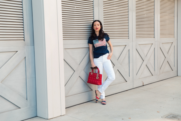 White Jeans for Labor Day, Mott and Bow Jeans, T-shirt style, Denim Style, Jeans and a T Shirt, OOTD, Red Bag, Who What Wearing, Summer Style, Fashion Trends, What to wear for Labor Day, Fashion Blogger Style, OOTD Inspo, street style stalking, outfit ideas, How to Style White Jeans, Fashion Bloggers, Outfit Inspiration, Trends, Outfits, Pretty Little Shoppers, Mo Summers Photography #Summerstyle #fashionblogger #whowhatwearing #ootd #lafashionblogger #mottandbow #labordaylook #whitejeans
