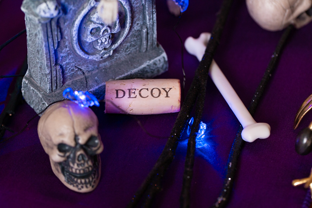 Decoy Wines, Decoy Merlot, Halloween Entertaining, Halloween Dinner Party, Halloween Tablescape, International Merlot Month, Celebrate the Grape, Duckhorn Wines, Lifestyle Blogger, Entertaining Ideas, Entertaining at Home, Dinner Party Inspiration, Lifestyle Blogger, Halloween Ideas, Unwind with wine, Pretty Little Shoppers Blog #MerlotMe #CelebratetheGrape #MerlotMonth #decoywine #wineparty #winelover #entertainingathome #elevatewithdecoy #dinnerparty #winenights #sonomacountywine #winegram