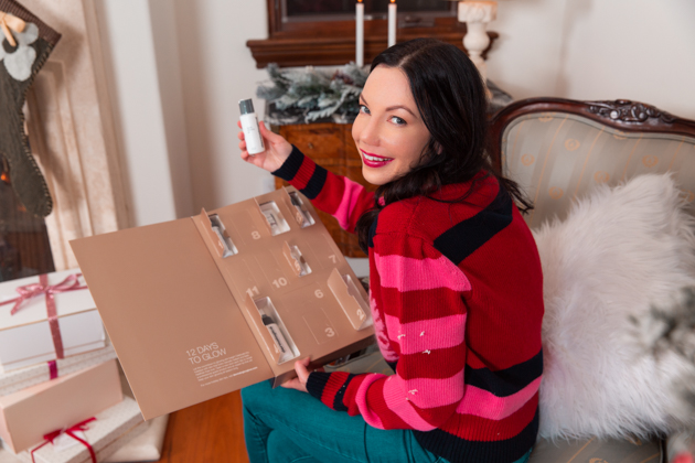 Gift Ideas for the Beauty Lover, Beauty Tips, Beauty Blogger, Luxury Beauty Products, Beauty Junkie, Glowing Skincare Routine, Skin Care Luxury, Beauty Review, Beauty Gift Ideas, Pretty Little Shoppers Blog, Gifts for the Beauty Lover, Buxom, Beauty Advent Calendar, Stocking Stuffers, Christmas, Dermalogica #beautybloggers #beautyjunkie #bestproduct #12daystoglow #skincareaddict #skincarejunkie #beautygram #skincareroutine #giftsforher #beautygifts #dermalogica #stockingstuffers