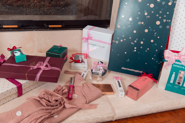 Gift Ideas for the Beauty Lover, Beauty Tips, Beauty Blogger, Luxury Beauty Products, Beauty Junkie, Glowing Skincare Routine, Skin Care Luxury, Beauty Review, Beauty Gift Ideas, Pretty Little Shoppers Blog, Gifts for the Beauty Lover, Buxom, Beauty Advent Calendar, Charlotte Tilbury, Stocking Stuffers, Christmas, Pili Ani #beautybloggers #beautyjunkie #bestproduct #beautyproduct #skincareaddict #skincarejunkie #beautygram #skincareroutine #giftsforher #beautygifts #buxombabe #stockingstuffers