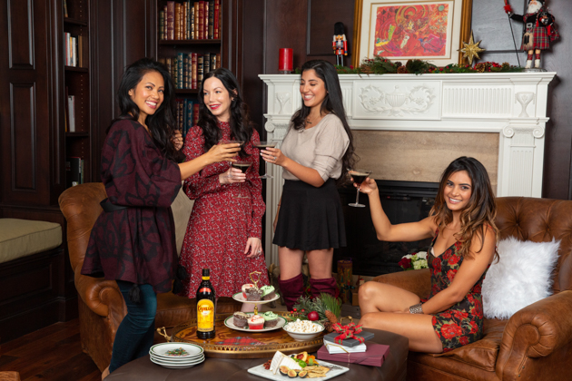 5 Tips for Easy Holiday Entertaining, Kahlua, Signature Cocktail, Cold Brew Martini, Girls Night In, Entertaining at Home, Holiday Party, Lifestyle Blogger, Holidays at Home, Easy Entertaining Ideas, Cocktails with Kahlua, Dinner Party Inspiration, Party Ideas, Cheers to the Holidays, Pretty Little Shoppers Blog, Tis the Season, Deck the Halls, Baby it's Cold Outside, Espresso Martini #ColdBrewMartini #entertainingathome #Kahlua #holidayparty #coffeecocktails #espressomartini #cocktails