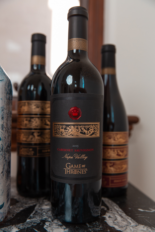 How to Host a Game of Thrones Viewing Party, Game of Thrones Wine and Spirits Bar, Entertaining at Home, Game of Thrones Wine, , GOT Wine, Daenerys Targaryen, Game of Thrones Night, Wine is Coming, White Walker by Johnny Walker, Entertaining Ideas, HBO's Game of Thrones, Mother of Dragons #gameofthrones #entertainingathome #gameofthronesparty #gameofthroneswine #idrinkandiknowthings #motherofdragons