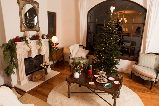 French Country Christmas Décor, Ideas for Hosting a Cozy Christmas, Christmas Decorations, Home for the Holidays, Home Interior, Holiday Ideas, How to decorate for Christmas, Entertaining at Home, Holiday Party, Lifestyle Blogger, Holidays at Home, Easy Entertaining Ideas, Tis the Season, Deck the Halls, Baby it's Cold Outside, Target Home Decor, French Country Christmas, Home Sweet Home, Holiday Entertaining Tips, Hostess with the Mostess, #FrenchCountryDecor #christmasdecorations