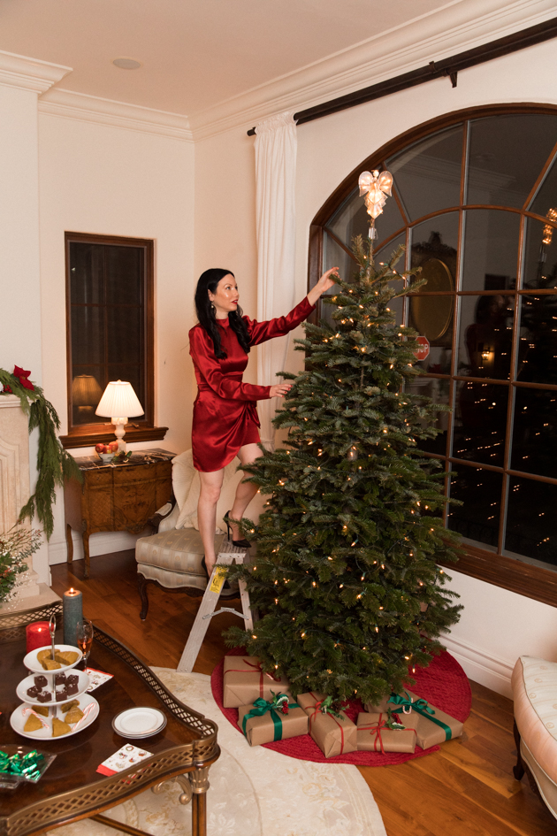 French Country Christmas Décor, Reformation Dress, Christmas Decorations, Home for the Holidays, Home Interior, Holiday Ideas, How to decorate for Christmas, Entertaining at Home, Holiday Party, Lifestyle Blogger, Holidays at Home, Easy Entertaining Ideas, Tis the Season, Deck the Halls, Baby it's Cold Outside, Target Home Decor, French Country Christmas, Home Sweet Home, Holiday Entertaining Tips, Hostess with the Mostess, Lisa Valerie Morgan #FrenchCountryDecor #christmasdecorations
