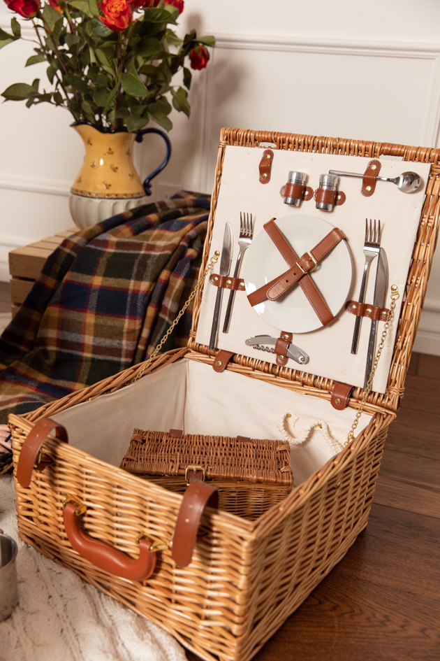 Amara Picnic Basket |Fall Picnic by popular LA lifestyle blog, Pretty Little Shoppers: image of a Amara Picnic basket.